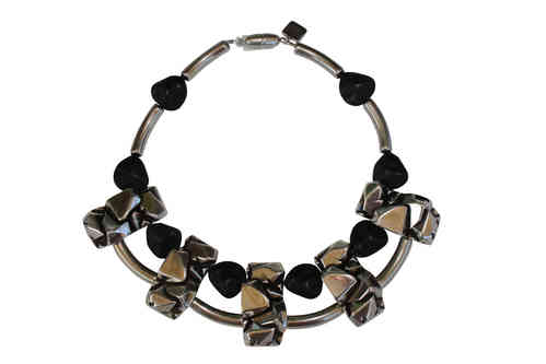 necklace collier with silver nugget plates 47x24mm and black pebbles 20x22mm