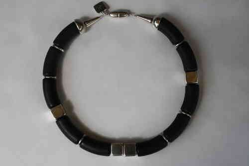 necklace with silver cubes 14mm and black curves 15x34mm