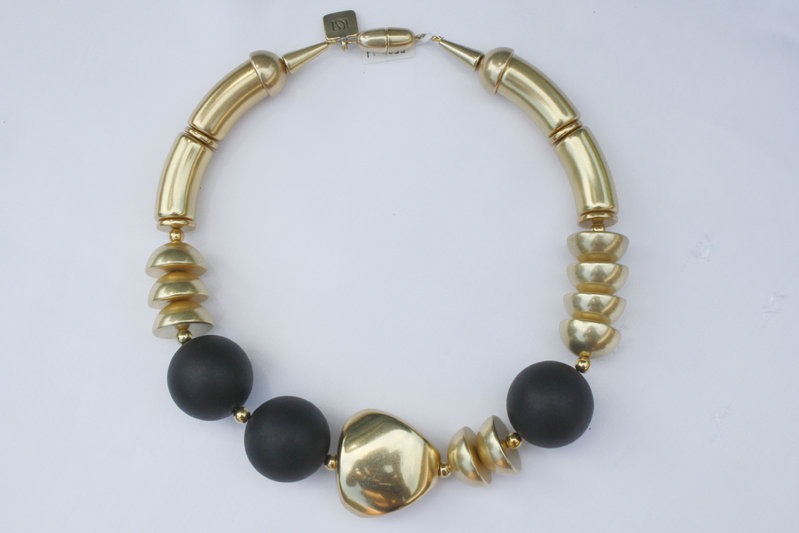 necklace with gold curves 15x34mm, black pearls 30mm, gold triangle 36mm and gold half pearls 22mm