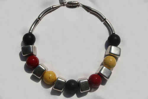 necklace with irregular silver cubes 18x24mm and Yellow, red and black pearls 24mm