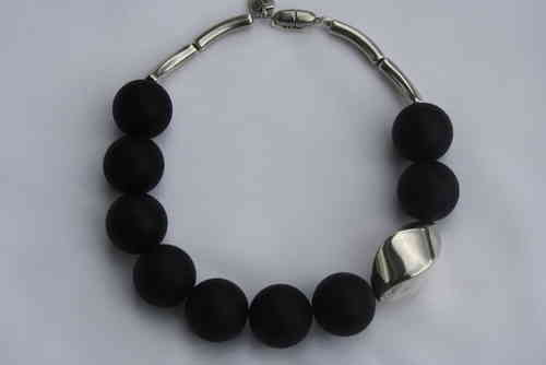 necklace with black pearls 30mm and silver nut 34x46mm