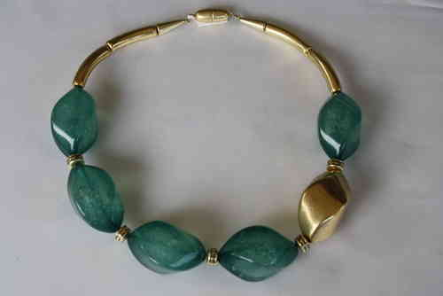 necklace with big ocean green nuts and one big gold nut 34x46mm