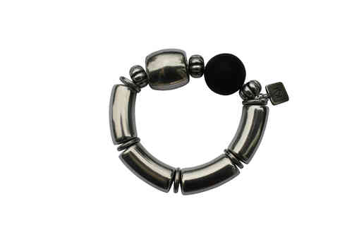 bracelett Ø55mm, with silver curves 15x34mm, silver tons 24x24mm and black pearls 24mm